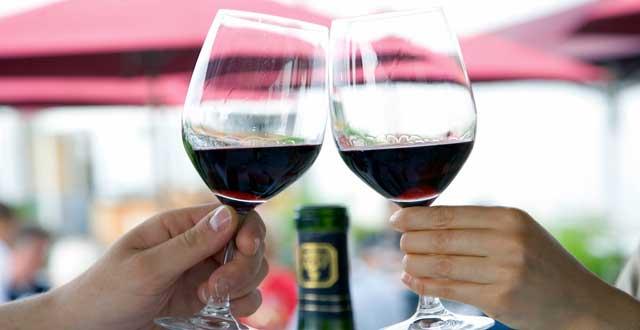 Beneficios consumo alcohol